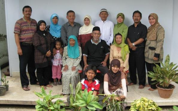 Ibu dan adik,anak,ponakan dan cucu