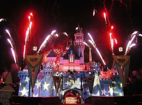 FIREWORKS IN DISNEYLAND